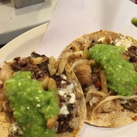 Photo taken at Tacos Marvichi by Victor A. on 3/3/2017