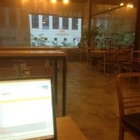 Photo taken at 카페 로플라 by Yeseul J. on 5/17/2013