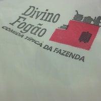 Photo taken at Divino Fogão by Romário F. on 3/26/2013