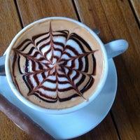 4/20/2013 tarihinde GamZe .ziyaretçi tarafından Hisarönü Cafe'de çekilen fotoğraf