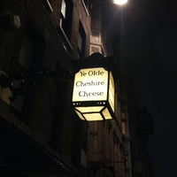 Photo taken at Ye Olde Cheshire Cheese by Erik on 1/29/2013