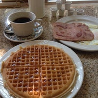 Photo taken at Lincoln's Waffle Shop by Lachlan M. on 7/16/2013