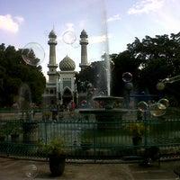 Photo taken at Alun-Alun Kota Malang by Raphael B. on 6/23/2013