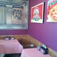 1/10/2012에 Vessie S.님이 Rosati's Pizza에서 찍은 사진