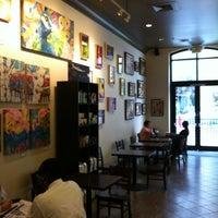 Foto tomada en Starbucks por Ryan B. el 8/24/2012