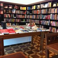 Photo taken at Ponto do Livro by Mauricio C. on 8/9/2011