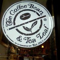 Photo taken at The Coffee Bean and Tea Leaf by Sorona R. on 4/23/2012