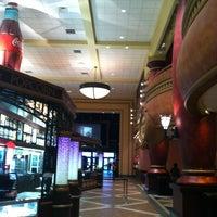 Foto scattata a AMC Loews Waterfront 22 da Emily O. il 3/17/2012