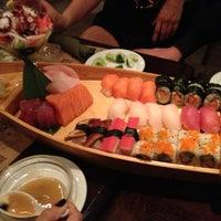 Foto tomada en Sushi Maki Coral Gables por Kevin B. el 5/5/2013