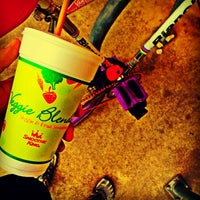 Photo taken at Smoothie King by Freedom R. on 5/13/2014