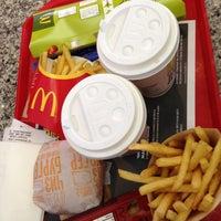 Снимок сделан в McDonald's пользователем Марина Р. 4/22/2013