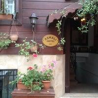 11/6/2013 tarihinde Егор К.ziyaretçi tarafından Asmali Hotel Istanbul - Oldcity Sultanahmet'de çekilen fotoğraf
