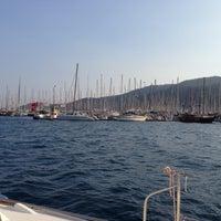 Photo prise au Marmaris Yacht Marina par Figen Ö. le4/20/2013