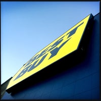 Photo taken at Best Buy by Dustin S. on 4/26/2016