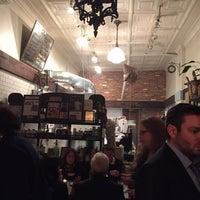 Foto diambil di Le Salbuen Cafe Market oleh Seth S. pada 3/1/2015