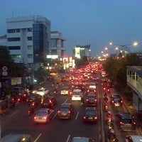 Photo taken at Halte TransJakarta Salemba Carolus by Lintang E. on 2/12/2014