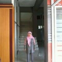Photo taken at Universitas Pesantren Tinggi Darul 'Ulum (UNIPDU) by Ardhelia F. on 6/2/2013
