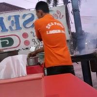 Photo taken at Seafood Lamongan Jaya 1 by Bagio S. on 11/22/2013