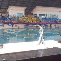 Photo taken at Kompleks Sukan Likas Swimming Pool by Mohd Haffiszul M. on 2/2/2013