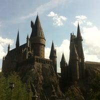 Photo taken at The Wizarding World Of Harry Potter - Hogsmeade by Shnzm on 5/25/2013