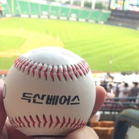 Photo taken at Jamsil Baseball Stadium by 우태 김. on 6/12/2013