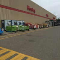 Photo taken at Canadian Tire by Raymond C. on 7/8/2016