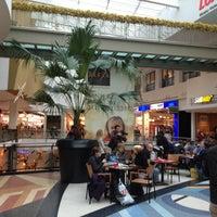 Foto tirada no(a) Foodcourt por Karsten W. em 12/18/2012