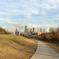 Das Foto wurde bei Buffalo Bayou Park von Rick am 1/21/2013 aufgenommen