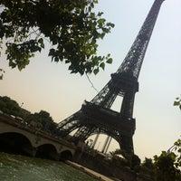 Foto tirada no(a) Restaurant 58 Tour Eiffel por Karen F. em 7/14/2013