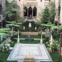 Photo taken at Isabella Stewart Gardner Museum by Tariq I. on 7/29/2015