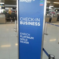 Photo taken at Malaysia Airlines (MH) Check-In Area by Masami W. on 5/9/2014