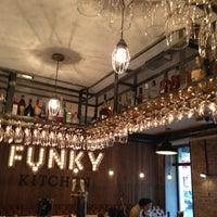 Снимок сделан в Funky Kitchen пользователем Maria T. 6/11/2013