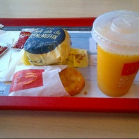 Photo taken at McDonald's by Mk3 Cool j on 8/15/2013