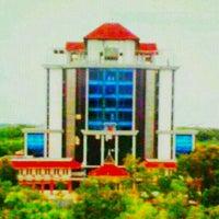 Photo taken at Gedung Rektorat Universitas Trunojoyo by Ebieq N. on 3/22/2013