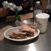 รูปภาพถ่ายที่ Chipotle Mexican Grill โดย Destiny D. เมื่อ 3/30/2014