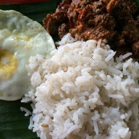 Photo taken at Mamak Sebelah Restoran Bidayah Bistro by Anis N. on 10/21/2014