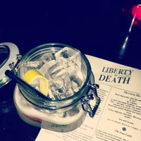 Foto tirada no(a) Liberty or Death por Kira H. em 6/15/2013
