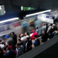 Foto tirada no(a) Estação Vila Mariana (Metrô) por Erick C. em 6/4/2013