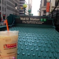Photo taken at Dunkin' Donuts by Lisa V. on 7/25/2014