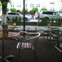 4/25/2013 tarihinde Yuliya😊 D.ziyaretçi tarafından Coffeedelia'de çekilen fotoğraf