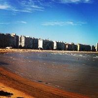 Foto tomada en Playa Pocitos por Denise N. el 2/8/2013