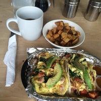 Foto tirada no(a) Kraftsmen Bakery & Cafe por Kimberly G. em 4/29/2015
