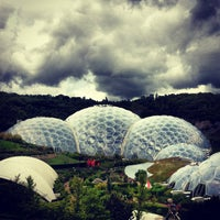 Photo taken at The Eden Project by 𝚝𝚛𝚞𝚖𝚙𝚎𝚛 . on 6/24/2013