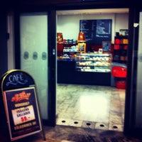 Photo taken at Café Fanfaren by 𝚝𝚛𝚞𝚖𝚙𝚎𝚛 . on 10/11/2012