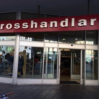 Photo taken at Grosshandlarn by 𝚝𝚛𝚞𝚖𝚙𝚎𝚛 . on 9/30/2015
