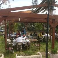3/31/2013 tarihinde Serkan B.ziyaretçi tarafından Hanedan Restaurant'de çekilen fotoğraf