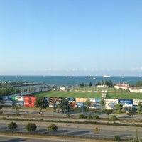 Photo taken at Piazza Ulutan Et Lokantası by Akif on 8/9/2014
