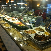 Photo taken at Main Chinese Buffet by Alberto S. on 3/20/2013