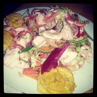 Photo taken at Restaurante el Expreso by Maché S. on 9/5/2013