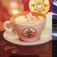 Photo prise au Traveler's Coffee par Iliya A. le5/2/2013